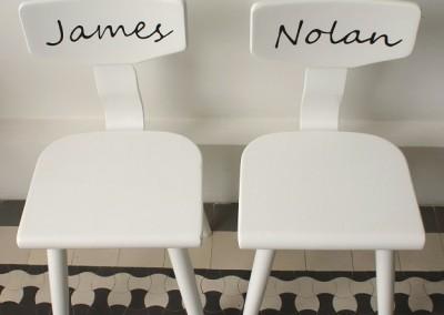 Stoeltjes met naam James & Nolan